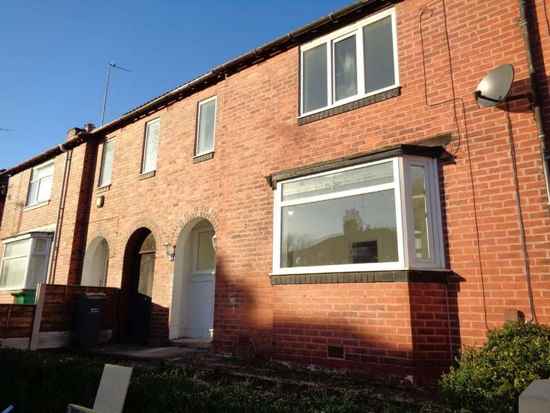 3 Bedrooms Terraced House for rent in Kendall Road, Crumpsall