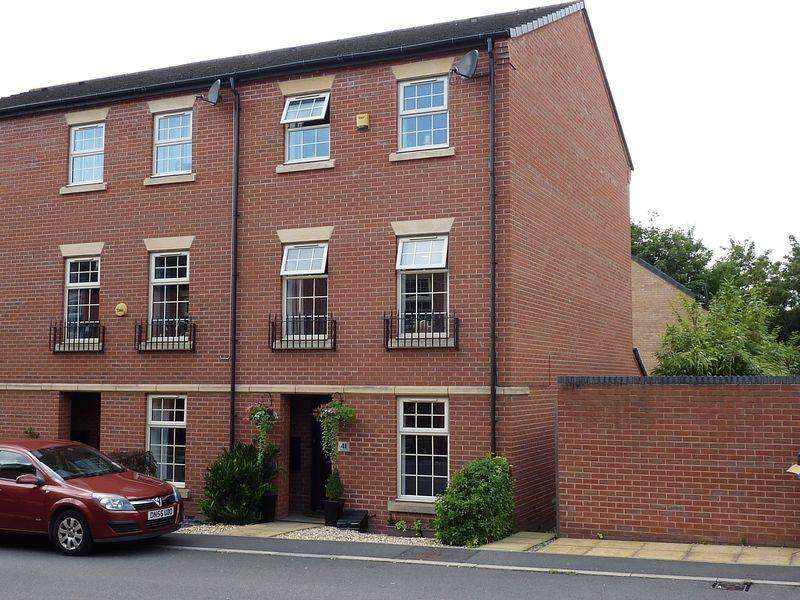 4 Bedrooms Semi Detached House for sale in Bridgeside Way, Spondon