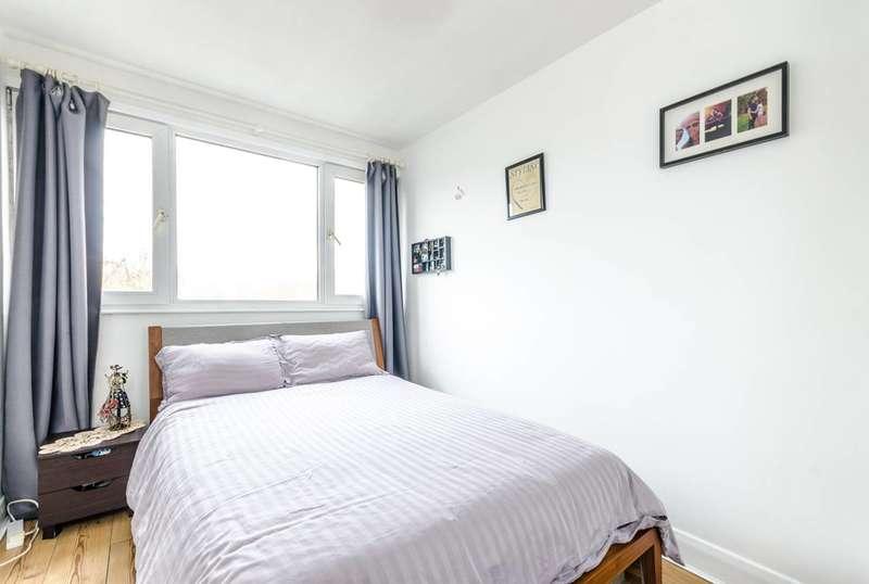 1 Bedroom Flat for sale in Oglander Road, East Dulwich, SE15