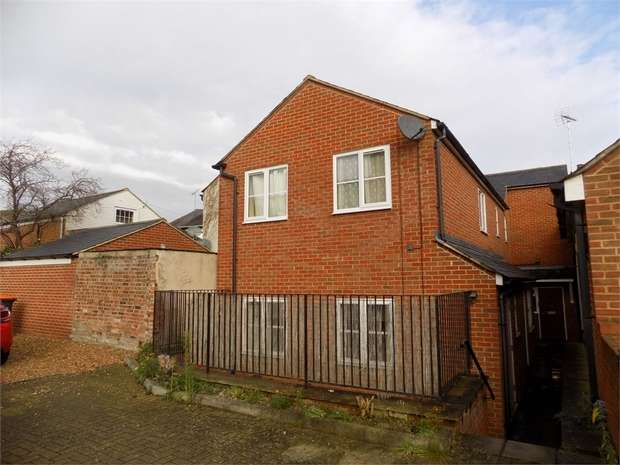1 Bedroom Maisonette Flat for sale in New Road, Leighton Buzzard, Bedfordshire