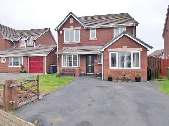 4 Bedrooms Detached House for sale in Tourney Green, Kingswood, Warrington