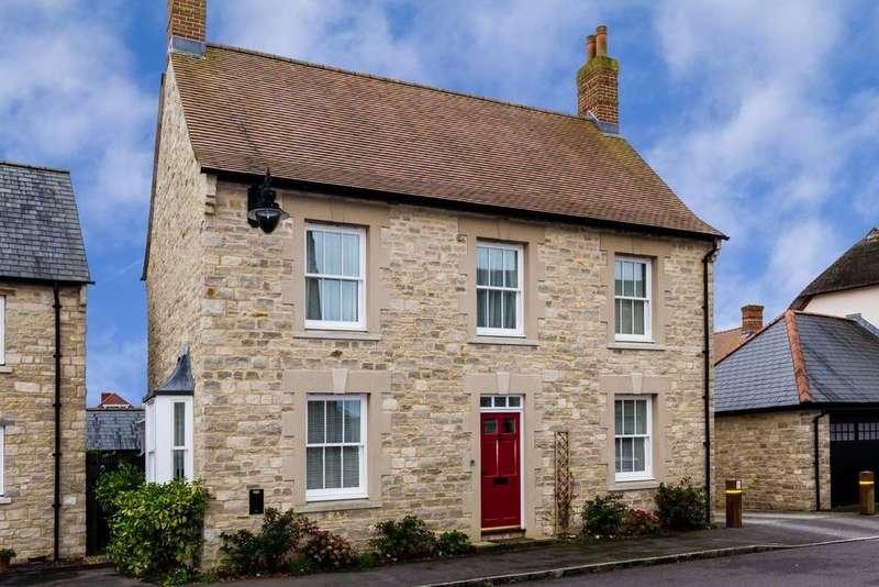 4 Bedrooms Detached House for sale in Oak Lane, Mere