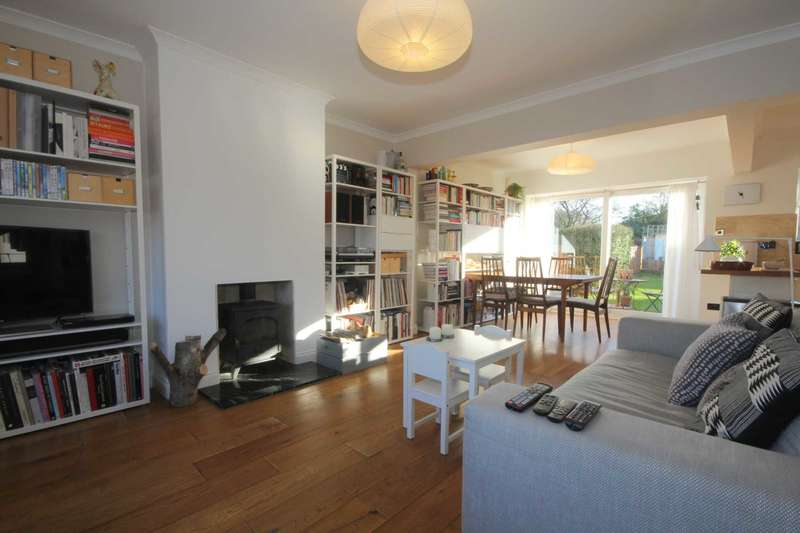 3 Bedrooms Semi Detached House for sale in SUPERBLY PRESENTED 3 BEDroom SEMI DETACHED family home in HP1.