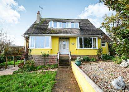 5 Bedrooms Bungalow for sale in Preston, Paignton, Devon