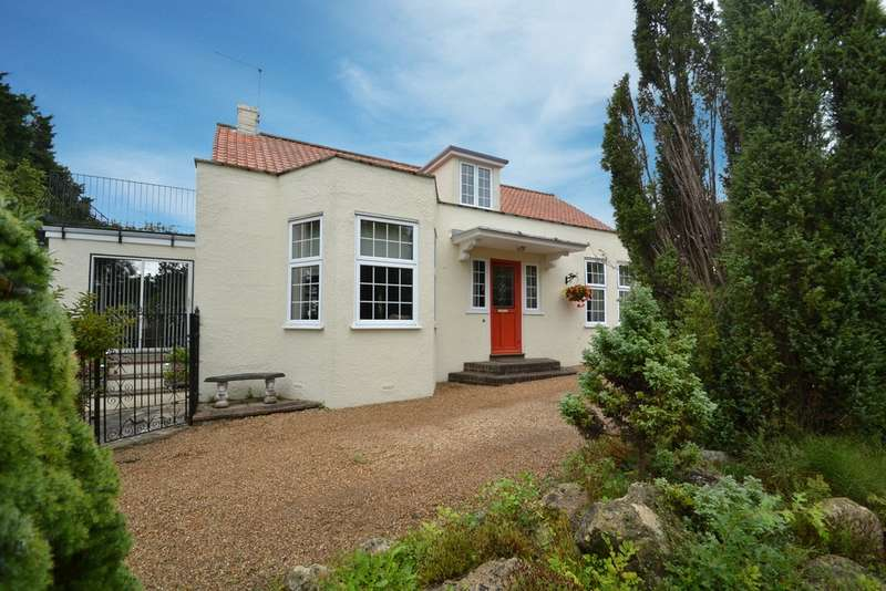 5 Bedrooms Detached House for sale in Playstreet Lane, Isle of Wight