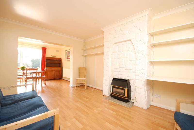 3 Bedrooms House for sale in Toynbee Road, Wimbledon, SW20