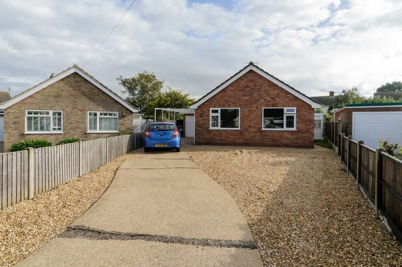 3 Bedrooms Bungalow for sale in Bourne close , South Wootton, Kings Lynn, Norfolk, PE30