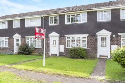 3 Bedrooms Terraced House for rent in Redpoll Way, Abbeydale, GL4