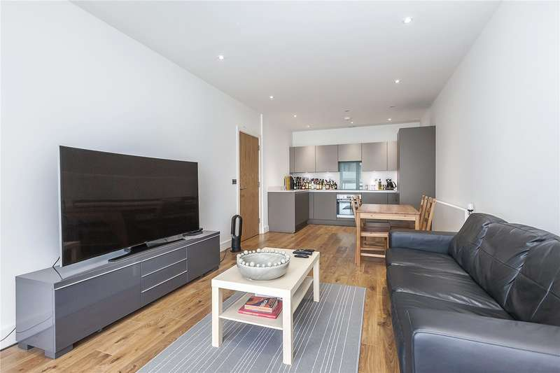 2 Bedrooms Flat for sale in Lighterman Point, 3 New Village Avenue, London, E14
