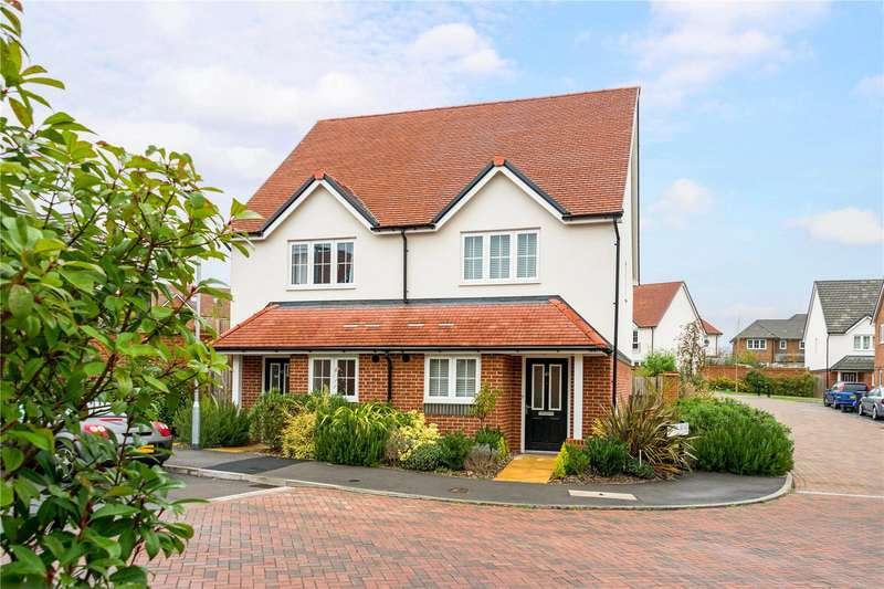 2 Bedrooms Semi Detached House for sale in Saunders Avenue, Bishopdown, Salisbury, Wiltshire, SP1