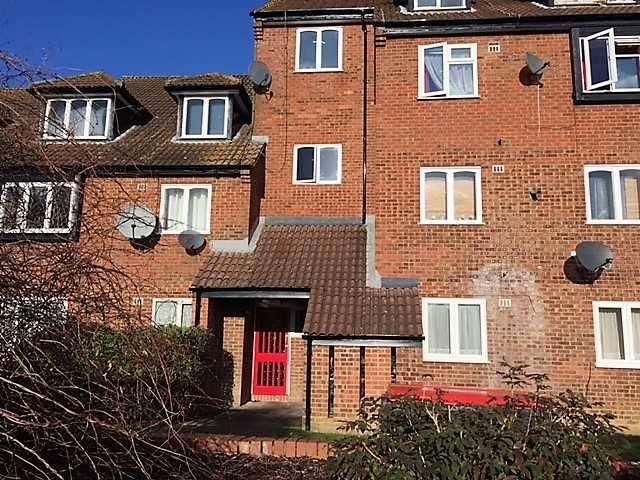 1 Bedroom Flat for sale in Springwood Crescent, Edgware