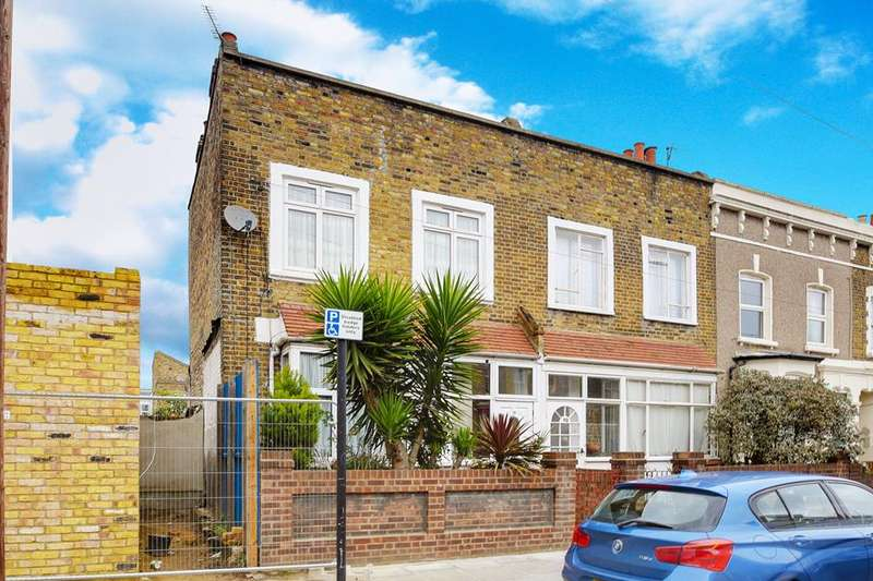 3 Bedrooms Terraced House for sale in  Dunlace Road, London, E5