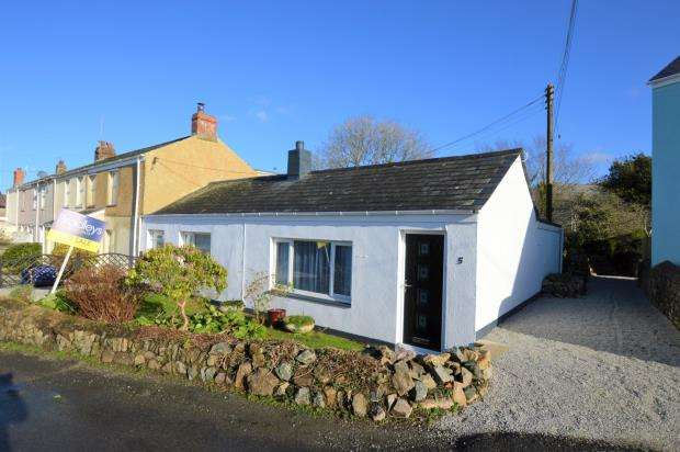 3 Bedrooms Semi Detached Bungalow for sale in Pengegon Moor, Pengegon, Camborne, Cornwall