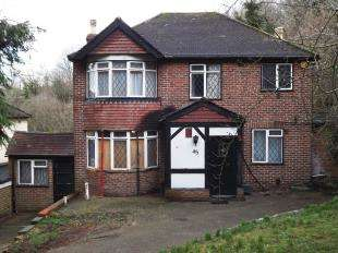 4 Bedrooms Detached House for sale in Tithepit Shaw Lane, Warlingham, Surrey