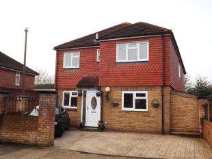 4 Bedrooms Detached House for sale in Cooling Road, Strood, Rochester, Kent