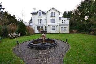 2 Bedrooms Maisonette Flat for sale in Broadwater Down, Tunbridge Wells, Kent
