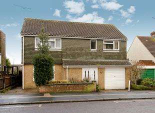 4 Bedrooms Detached House for sale in Canadian Avenue, Gillingham, Kent, .