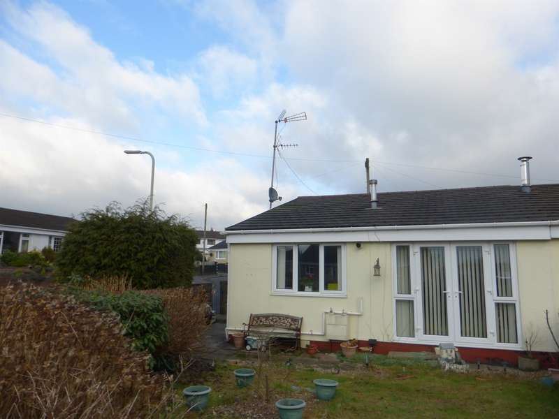 2 Bedrooms Semi Detached Bungalow for sale in Bryn Henllan, Brynna, PONTYCLUN