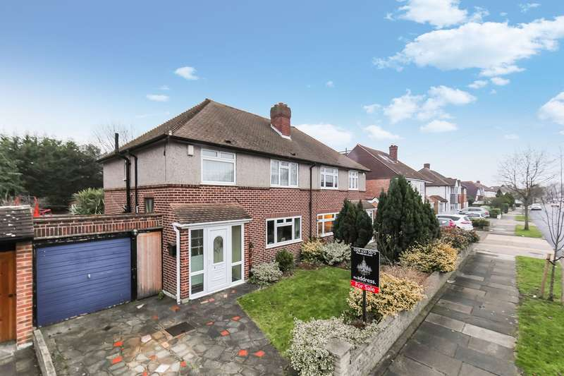 3 Bedrooms Semi Detached House for sale in Homemead Road, Bromley, BR2