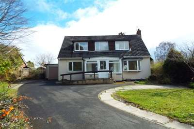 4 Bedrooms Detached Bungalow for rent in Western Way, Ponteland