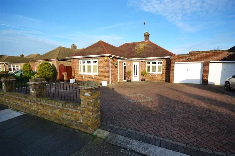 2 Bedrooms Detached Bungalow for sale in Cherry Walk, Orsett Heath