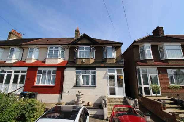 3 Bedrooms Terraced House for sale in Tottenhall Road, London, Greater London, N13 6DE