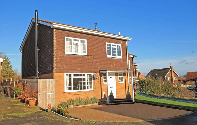 4 Bedrooms End Of Terrace House for sale in Carters Way, Wisborough Green, RH14