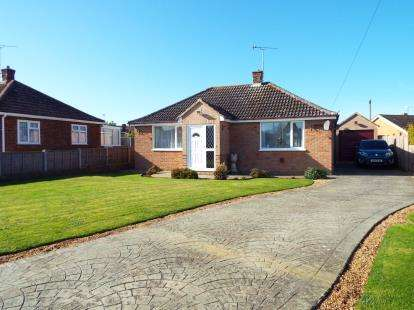 3 Bedrooms Bungalow for sale in Heacham, Kings Lynn, Norfolk