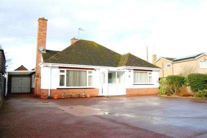 3 Bedrooms Bungalow for sale in South Wootton, King Lynn