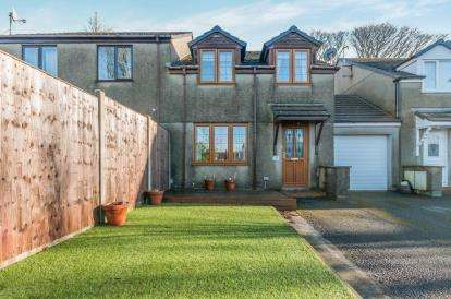 3 Bedrooms Semi Detached House for sale in Park Road, Redruth, Cornwall