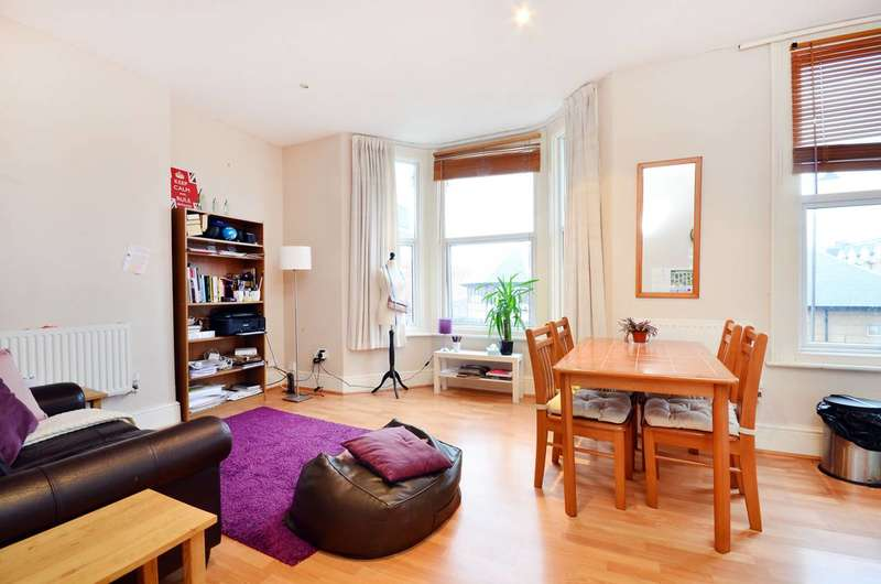 1 Bedroom Flat for sale in Queens Road, Wimbledon, SW19