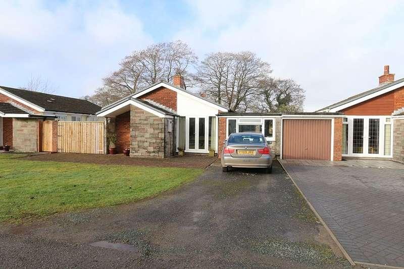 4 Bedrooms Detached Bungalow for sale in Glan Morfa, Ferryside, Sir Gaerfyrddin, SA17 5TF