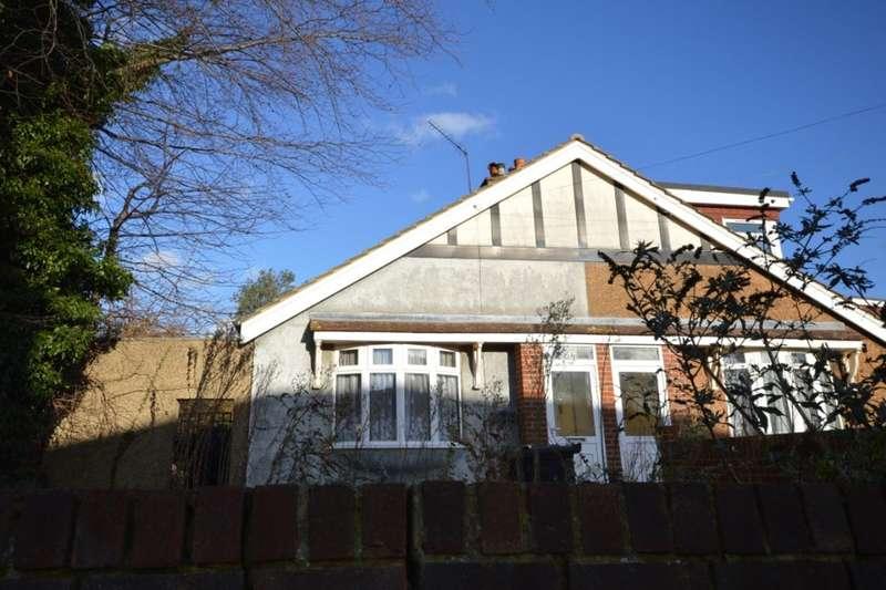3 Bedrooms Semi Detached Bungalow for rent in Vale Road, Northfleet, Gravesend, DA11