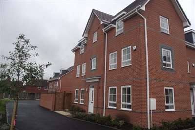 4 Bedrooms House for rent in Willis Place, Worcester
