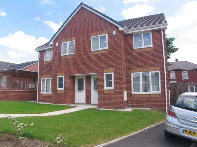 3 Bedrooms Semi Detached House for rent in Larch Street, Bury, BL9