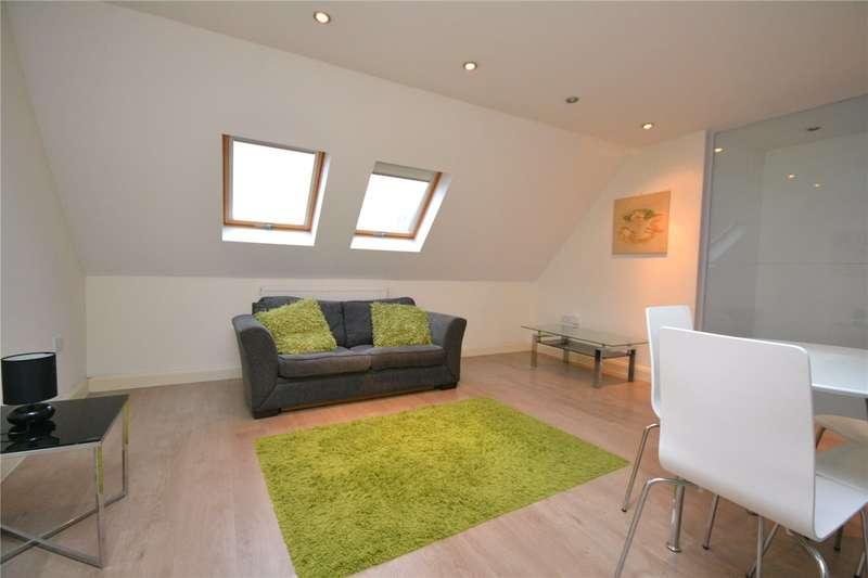 2 Bedrooms Maisonette Flat for sale in Lambert Way, North Finchley, London, N12