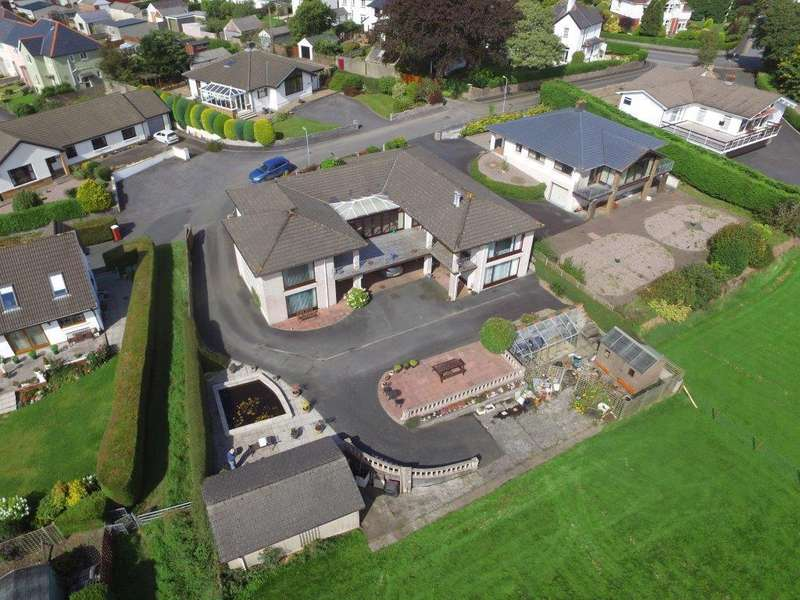5 Bedrooms Bungalow for sale in Cae Dash, Lampeter