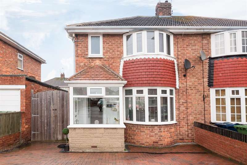 3 Bedrooms Semi Detached House for sale in Lunedale Ave, Seaburn Dene, Sunderland, Tyne and Wear, SR6 8JX