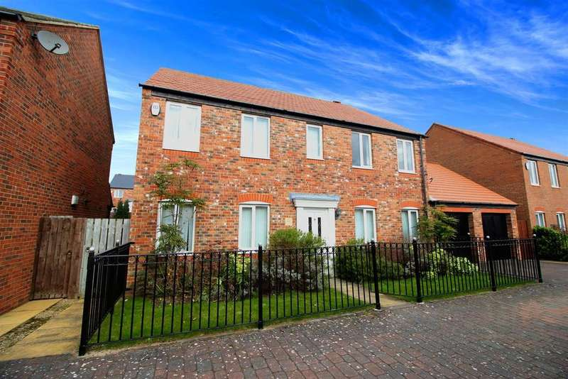 4 Bedrooms Detached House for sale in Brackenpeth Mews, Melbury, Newcastle Upon Tyne