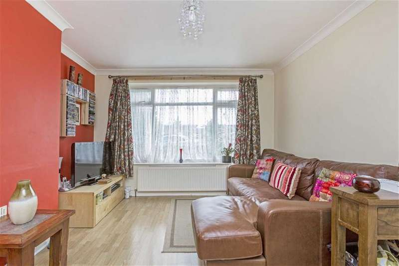2 Bedrooms Maisonette Flat for sale in Wide Way, Mitcham, London