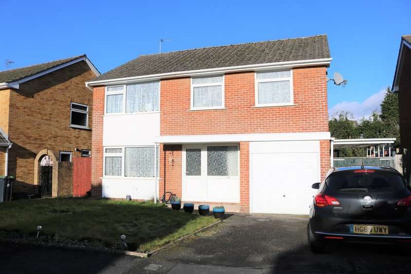 4 Bedrooms Detached House for sale in Monsal Avenue, Ferndown, BH22