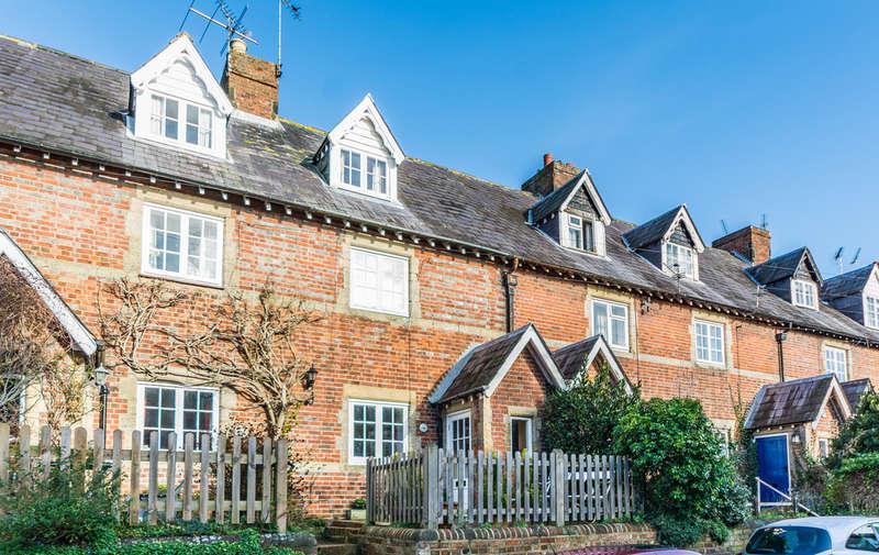 2 Bedrooms Cottage House for sale in Bond Street, Arundel
