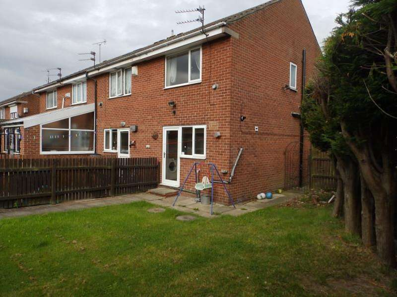 2 Bedrooms Semi Detached House for sale in LYDGATE, LEEDS, LS9 7JJ