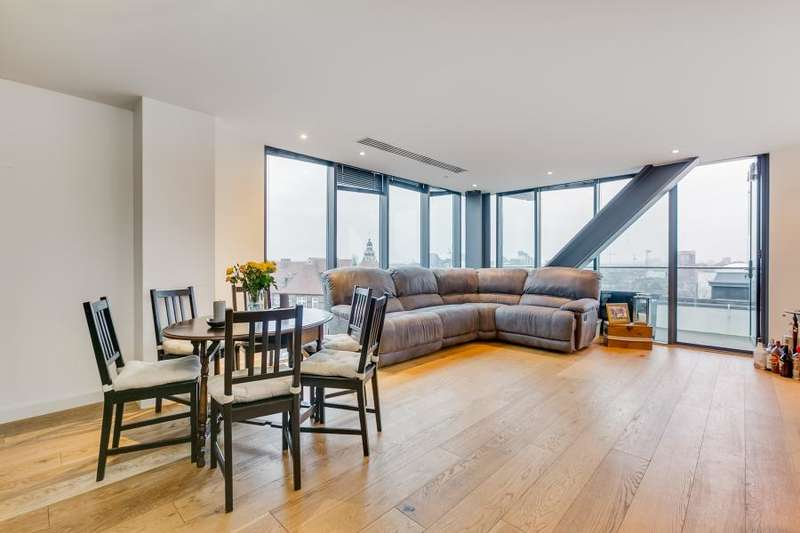 2 Bedrooms Flat for sale in Lumiere Apartments, London, SW11