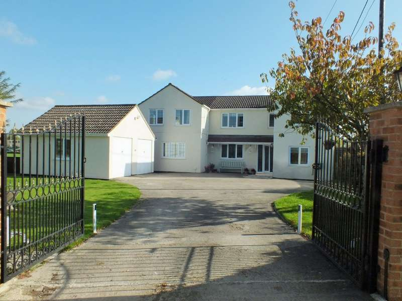 4 Bedrooms Detached House for sale in Leigh