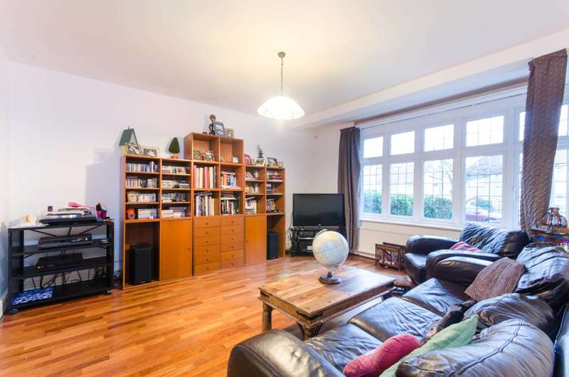 4 Bedrooms House for sale in Crest Road, Dollis Hill, NW2