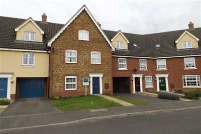 4 Bedrooms House for rent in Deas Road - South Wootton