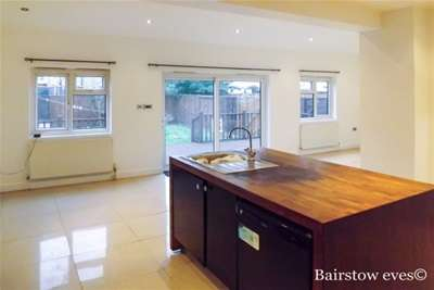 4 Bedrooms House for rent in Boundary Road, Walthamstow E17