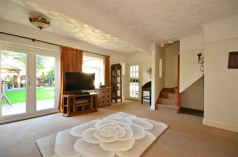3 Bedrooms Semi Detached Bungalow for sale in Parklands Road, , Chichester, West Sussex