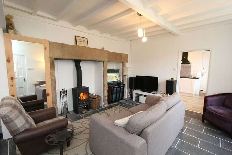 2 Bedrooms Semi Detached House for sale in Clarence Cottage, Clarence House Drive, Brunswood Rd, Matlock Bath, Derbyshire, DE4 3PA